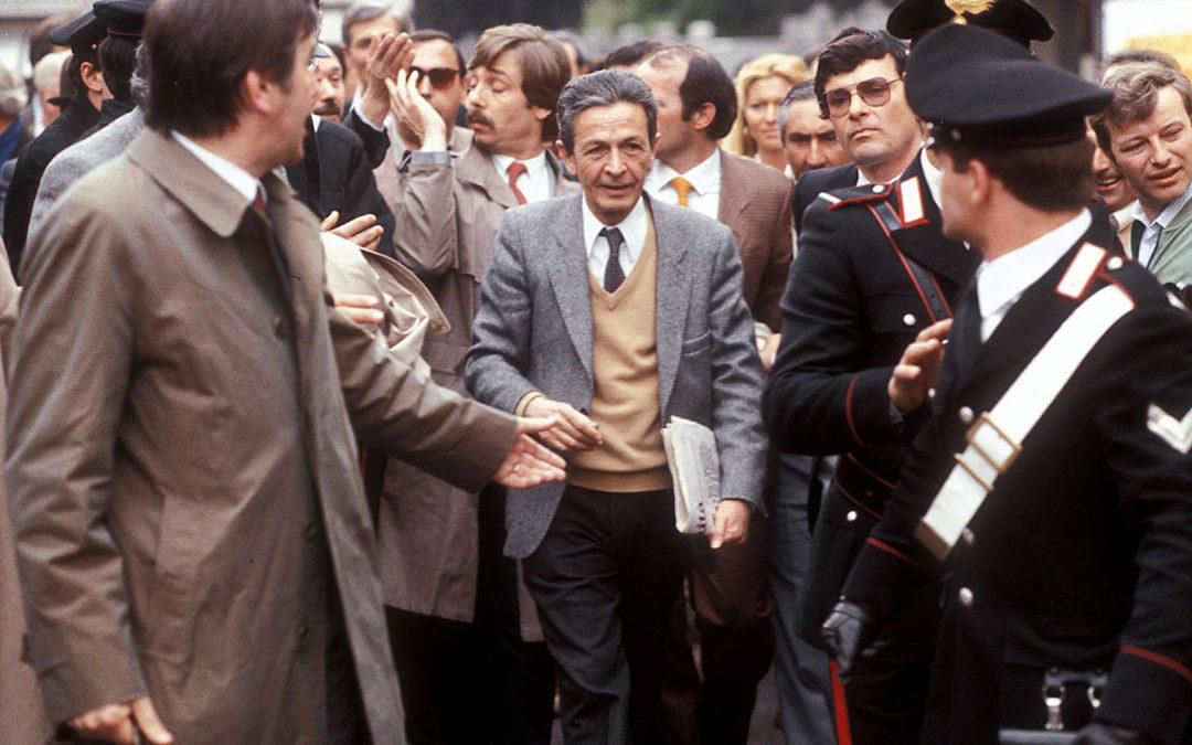"""""""Quando c'era Berlinguer"""": tutta l'importanza della memoria nelle immagini di Veltroni e nella musica di Rea"""