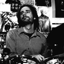 La batteria di Chris Wabich ha ispirato la base rock della colonna sonora di The Comedians, Compositore federic ferrandina, edizioni musicali FlipperMusic