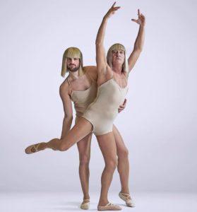 Le ballerine Bisio e Matano per The Comedians, library firmata FlipperMusic