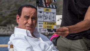 """Toni Servillo è Silvio Berlusconi in """"Loro"""" di Paolo Sorrentino. La soundtrack del trailer appena uscito è la production music della library Liquid Cinema, esclusiva italiana FlipperMusic"""