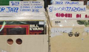 Music Day - Fiera del disco, vinili di discografia e sonorizzazioni coesistone nella giornata del collezionismo musicale