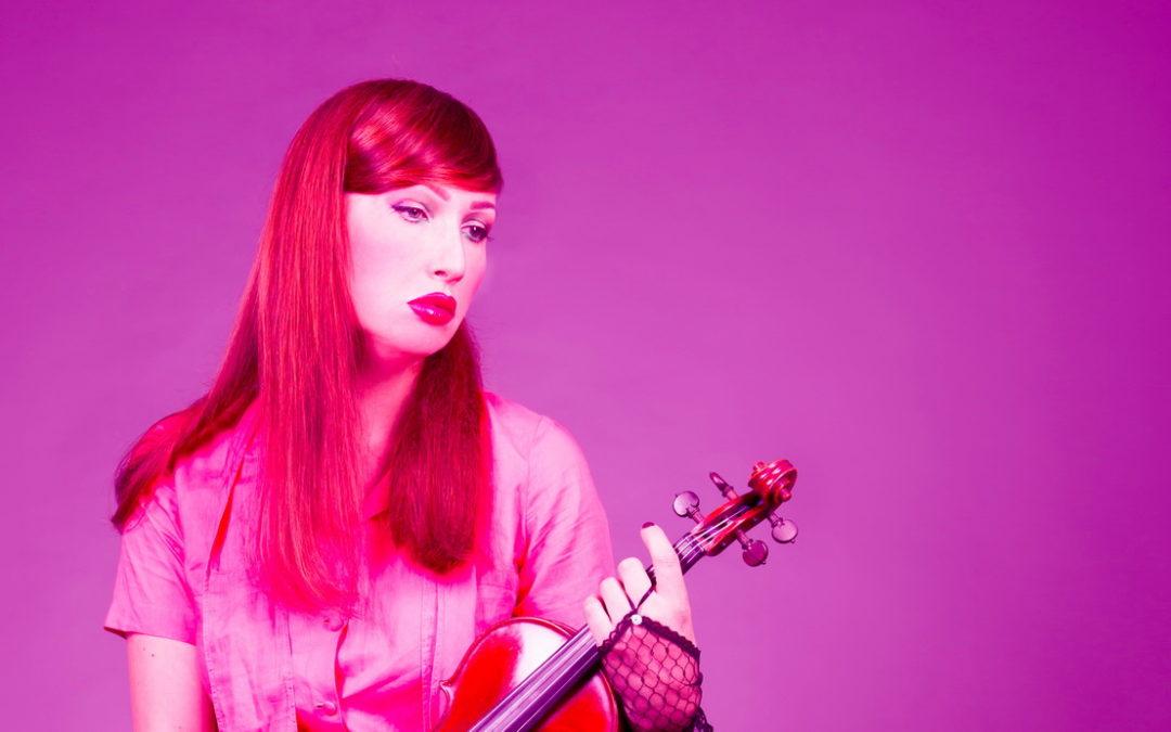 Lo strano caso della violinista H.E.R.